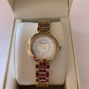 Anne Klein Women's Wrist Watch Brand New in Box